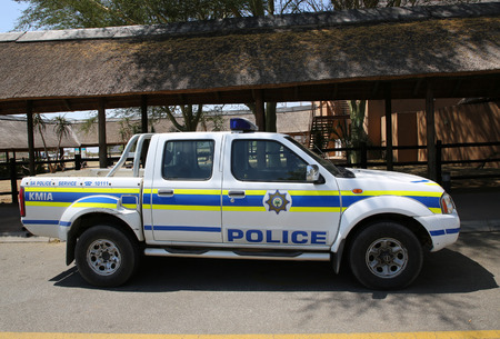 MPUMALANGA, SOUTH AFRICA - OCTOBER 2, 2018: South African Police Service provides security in Kruger Mpumalanga International Airport, South Africa. Standard-Bild - 122072309