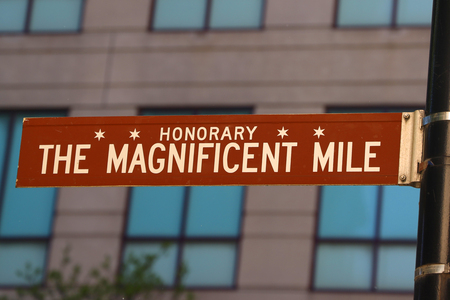 CHICAGO, ILLINOIS - 24 MAI 2019 : Le Magnificent Mile signe à Chicago, Illinois