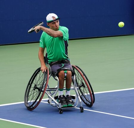 NEW YORK - SEPTEMBER 8, 2018: Wheelchair tennis player Andy Lapthorne of Great Britain in action during his Wheelchair Quad Singles semifinal match at 2018 US Open at Billie Jean King National Tennis Center Redactioneel
