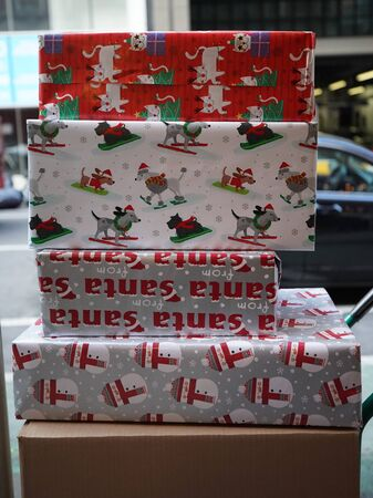 Christmas presents delivered in Manhattan Stock fotó - 135469866