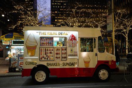 NEW YORK - DECEMBER 5, 2019: Ice cream truck in midtown Manhattan Sajtókép