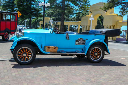 NAPIER, NEW ZEALAND -JANUARY 29, 2019: Vintage car in Napier, New Zealand.  Napier, a coastal city on New Zealand's North Island, is set amid the renowned wine-producing region of Hawke's Bay Redakční