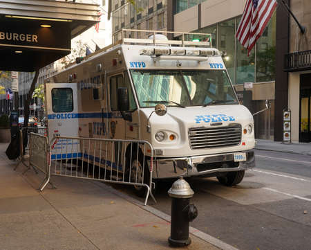NEW YORK - NOVEMBER 5, 2020: NYPD mobile command post in midtown Manhattan. The NYPD Communications Division mobile command post provides radio and telephone communications at major incidents Sajtókép