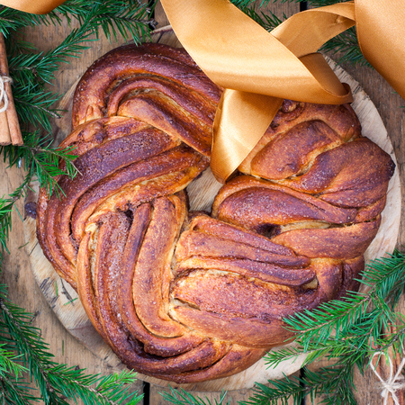 Sweet wreath with cinnamon, square
