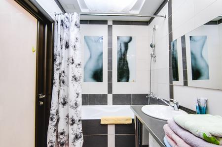 Russia, Novosibirsk - 12 December, 2017: interior room apartment. modern bathroom, sink, decor elements 新聞圖片