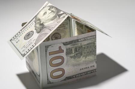 pila: House made of money