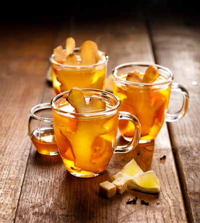 ginger health: Ginger tea with the Addition of citrus, honey and cloves