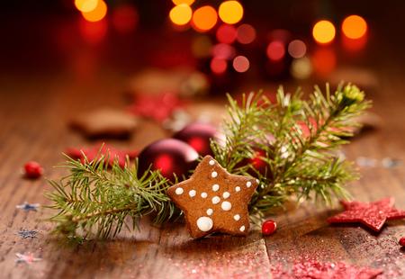 galletas de navidad: Decoraci�n de Navidad en el fondo de madera
