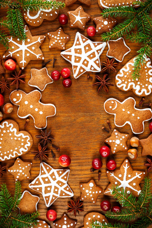 gingerbread cookies: Christmas gingerbread cookies on wooden background