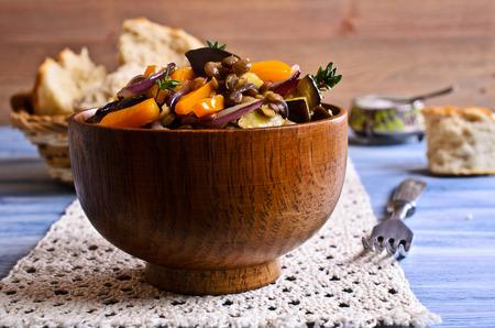 salad plate: Lentejas cocidas con pimiento, berenjena y cebolla