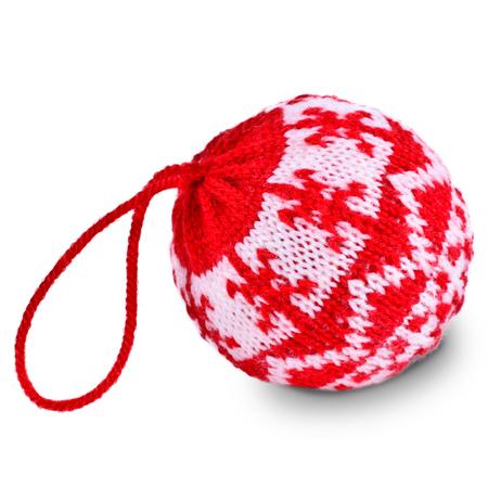 gomitoli di lana: Palle di Natale a maglia trama modello su uno sfondo bianco Archivio Fotografico