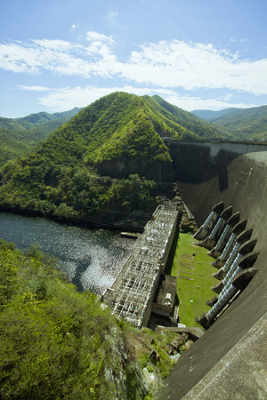 dams: Dams for water storage And power generation