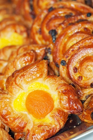 viands: Lush pastries freshly baked cinnamon buns with filling in the form of the original eggs.