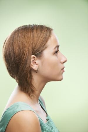 perfil de mujer rostro: Perfil de mujer joven y bella Foto de archivo