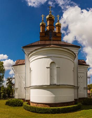 brest: Holy Cross Church in town Vysokaye, Brest region, Belarus. Stock Photo