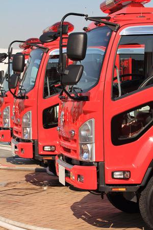 motor ardiendo: Coche de bomberos