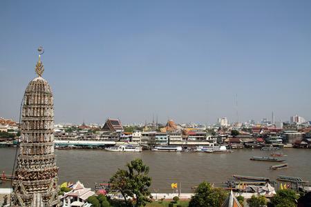 phraya: Chao Phraya r�o desde Wat Arun en Bangkok Foto de archivo