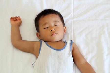 眠っている日本男児 (1 歳) 写真素材