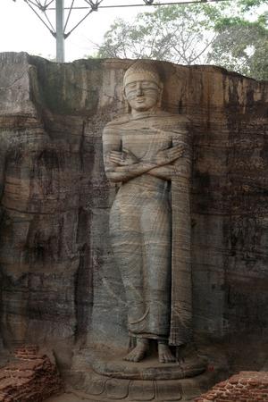 buddha sri lanka: Gal Vihara (Buddha statue) in Polonnaruwa, Sri Lanka