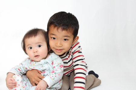 5 year old: Japanese brother and sister (5 years old boy and 0 year old girl)