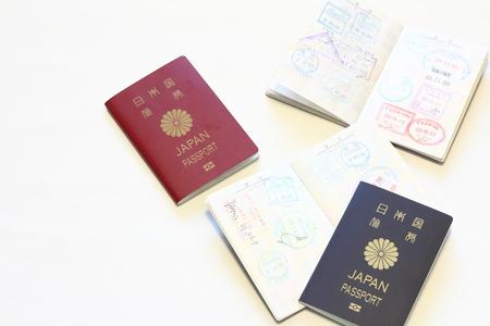 日本のパスポートとビザ パスポート (赤) 写真素材