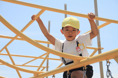 jungle gym: Japanese boy on the jungle gym (5 years old)