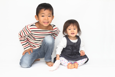 6 year old: Japanese brother and sister (6 years old boy and 1 year old girl)