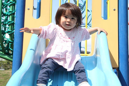 1 year old: Japanese girl on the slide (1 year old)