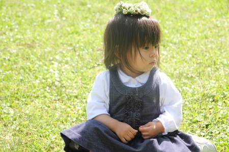 chaplet: Japanese girl with a chaplet (1 year old)