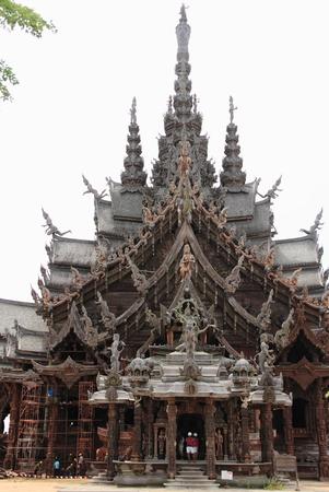 wang: Sanctuary of Truth (Prasat Satchatham) in Pattaya, Thailand Stock Photo