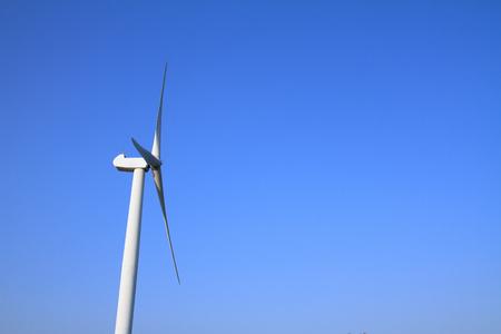 青空下の風力発電 写真素材