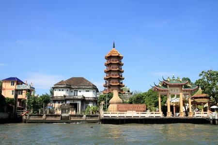 Che Chin Khor temple and Chao phraya river in Bangkok, Thailand
