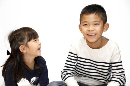 Japanese brother and sister (10 years old boy and 5 years old girl) 스톡 콘텐츠