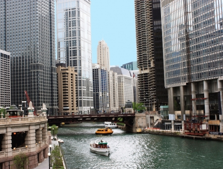 Chicago river running through the city photo