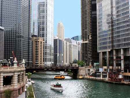 Chicago river and cityscape Stock Photo - 9027298