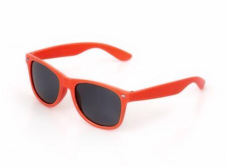 Gafas de sol aisladas sobre fondo blanco para aplicar en un retrato