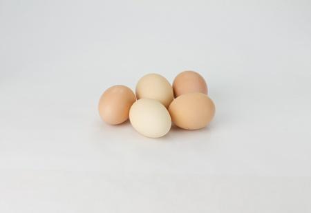 5 개의 갈색 계란