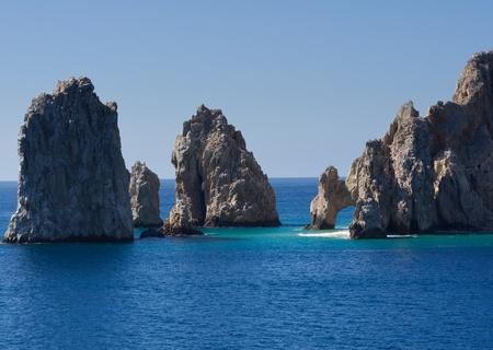 reiste: Felsgebilde, darunter El Arco aus dem Meer ragen Lizenzfreie Bilder