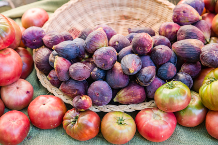 Fresh figs on display at the farmers market