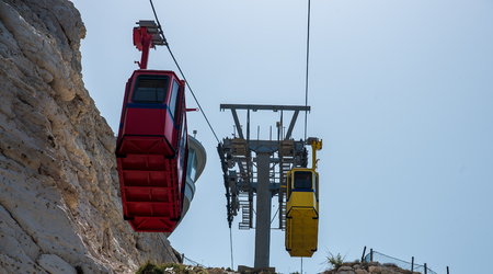 hanikra: ROSH HANIKRA, ISRAEL. Yellow funicular car of the Rosh HaNikra cable railway.