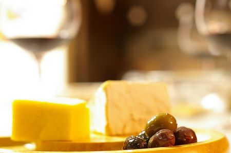 rich flavor: Olives and cheese