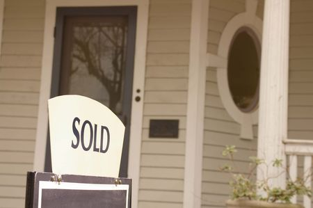 Huis te koop met verkochte teken