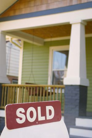 lend: House for sale with sold sign Stock Photo