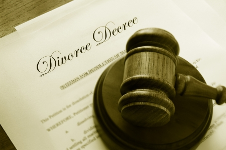 divorce court: Legal gavel on top of divorce papers