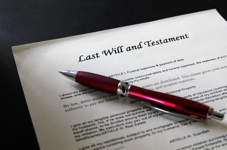 testament: Pluma y �ltimo documento legal de la voluntad