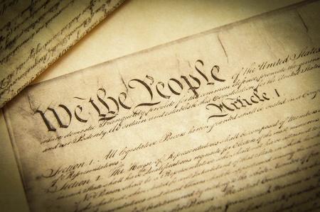Gros plan d'une réplique de la Constitution américaine de documents Banque d'images