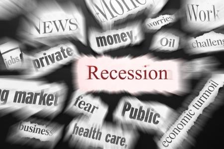 crisis economica: titulares de prensa mostrando mala noticia, relacionados con la recesi�n Foto de archivo