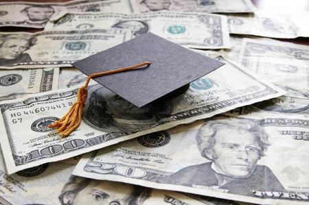 graduacion de universidad: universidad mini-graduaci�n de la tapa sobre el efectivo