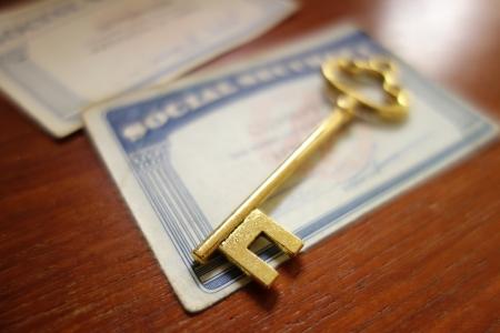 seguridad social: Primer plano de una tarjeta de clave de seguridad y Social