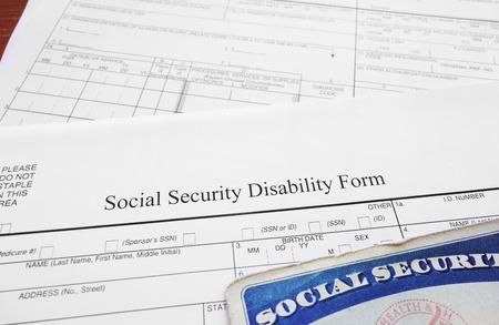 seguridad social: Incapacidad del Seguro Social formulario y tarjeta de Seguro Social Foto de archivo
